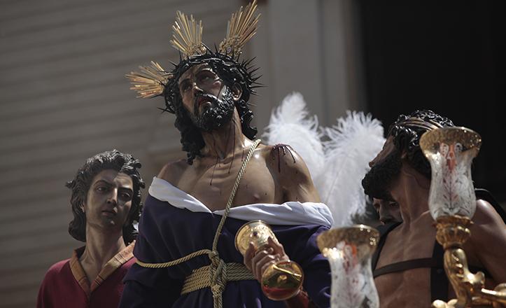 Jesús Despojado, obra del escultor Antonio Perea, cuya trayectoria se repasa en una exposición en Nervión / José Galiana