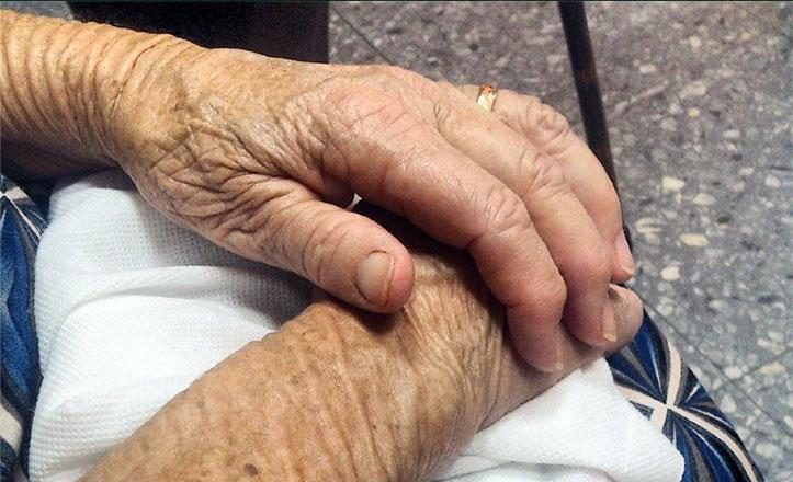 manos-viuda