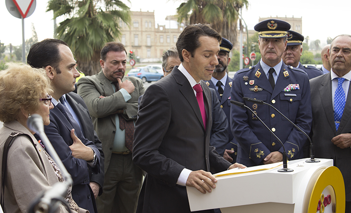 Pablo Muñoz Cariñanos durante el emotivo discurso en recuerdo a su desaparecido padre / Fran Piñero