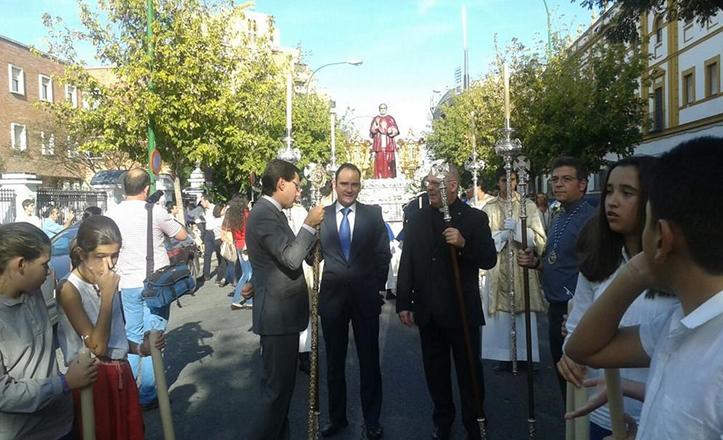 Procesión Claret 2014, con Rafael Belmonte entre el cortejo