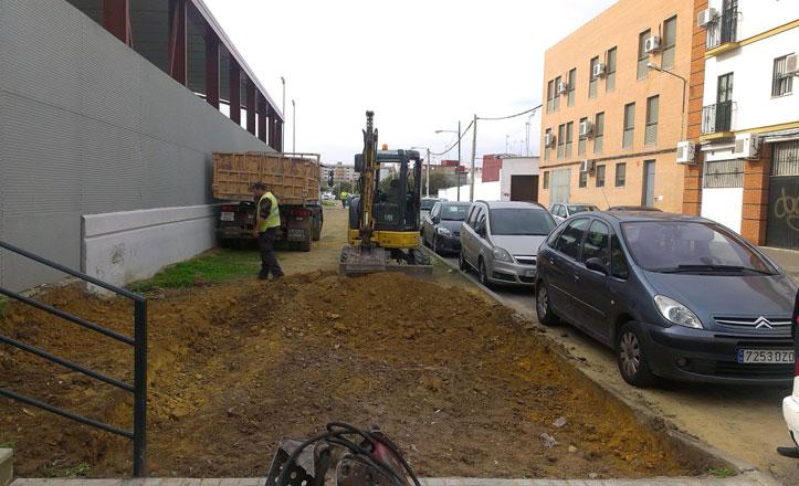 Nuevos acerados y aparcamientos en la calle Carmen Vendrell