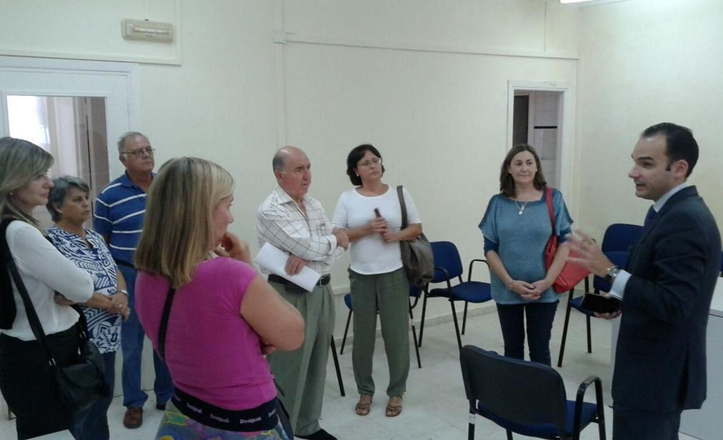 Reunión de Rafael Belmonte con la AVV «Siete Calles»
