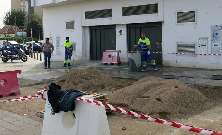 Obras en el acerado del edificio Gran Vía