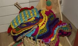 Cesto con los «granny squares» tejidos hasta la fecha