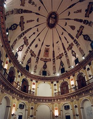 Detalle de la cúpula e interior de San Hermenegildo / Millán Herce