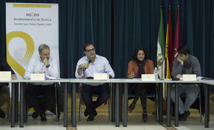 Presidencia de la Junta Municipal de Distrito San Pablo Santa Justa, con Jesús Díaz, Jaime Ruiz y Fátima Ruiz / Fran Piñero