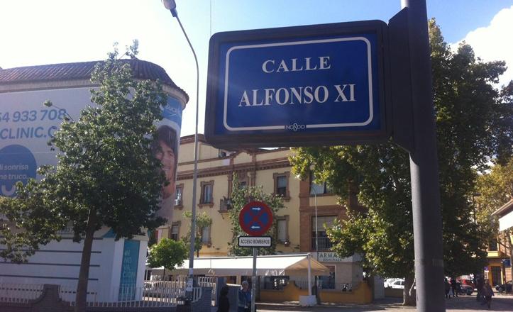 Renovación de placas de las calles de Nervión