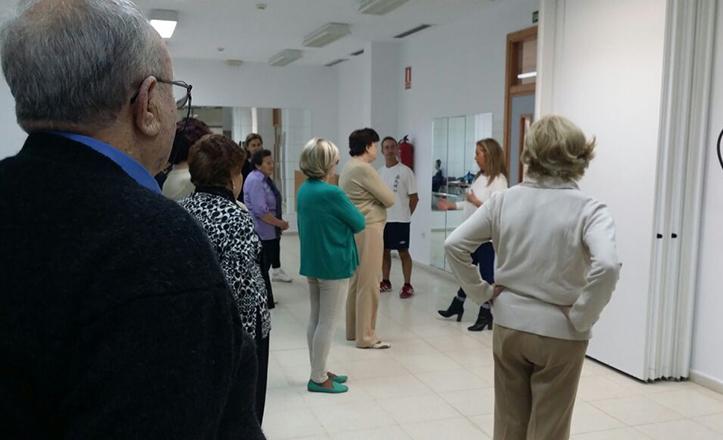 Carmen Ríos visita los talleres socioculturales de Los Remedios