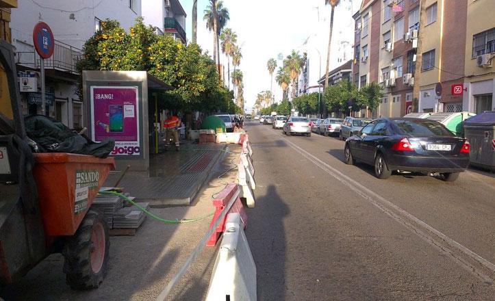 Obras de mejora en tres paradas de autobús de la calle Ingeniero de la Cierva