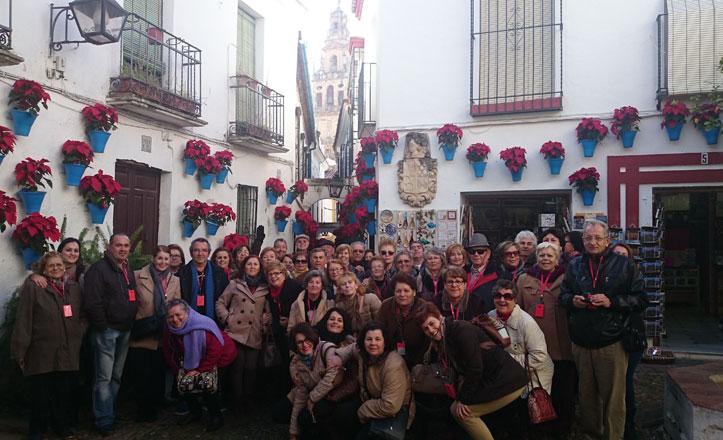 El Distrito Este realiza su tercera excursión navideña y visita Córdoba