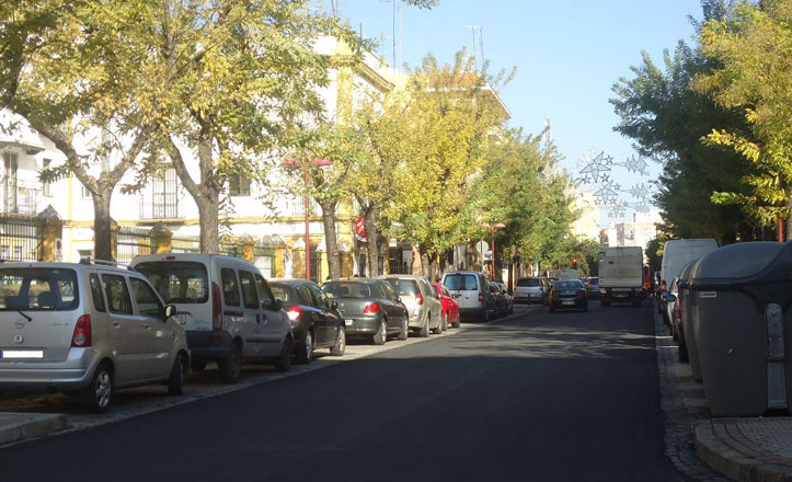 Renovación de asfalto en la Avenida de Miraflores