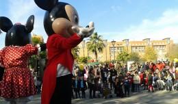 «Mickey y Minnie Mouse» en la Navidad Deportiva de la Macarena