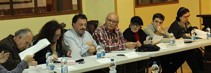 Portavoces del grupo socialista, en primer término, y popular en la Junta del Distrito Bellavista-La Palmera / F. Piñero