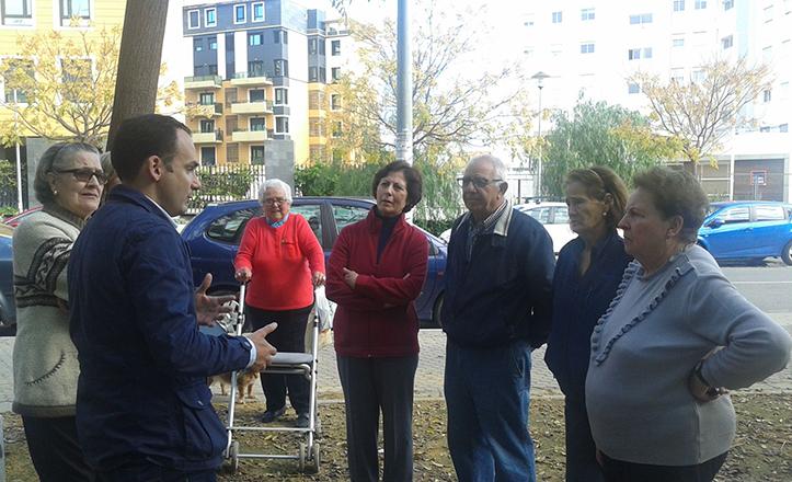 Rafael Belmonte se reúne con los vecinos de Pedro Salvador, de cara a próximas mejoras
