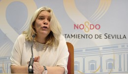 La delagada de Hacienda y Administración Pública, Asunción Fley / J. Spínola