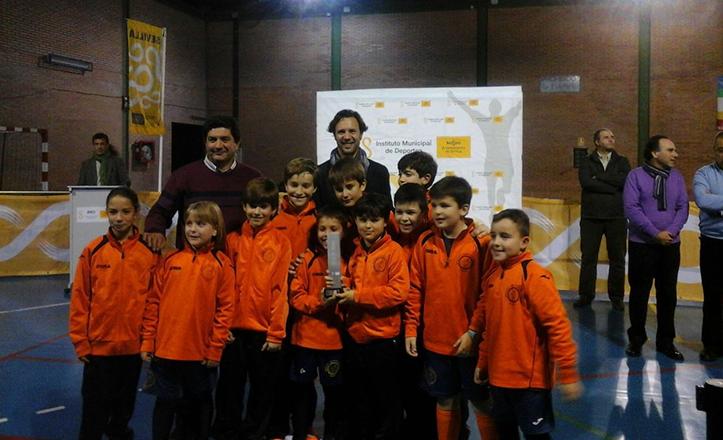 José Miguel Luque con algunos de los ganadores de los Juegos de Otoño 2014 de Cerro-Amate