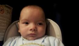David Gutiérrez, bebé con Síndrome del Maullido del Gato y al que está ayudando el barrio de Alcosa