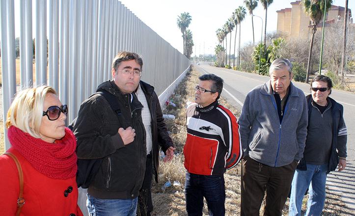Luis Fernández visita el Parque Guadaira a la altura del Polígono Sur