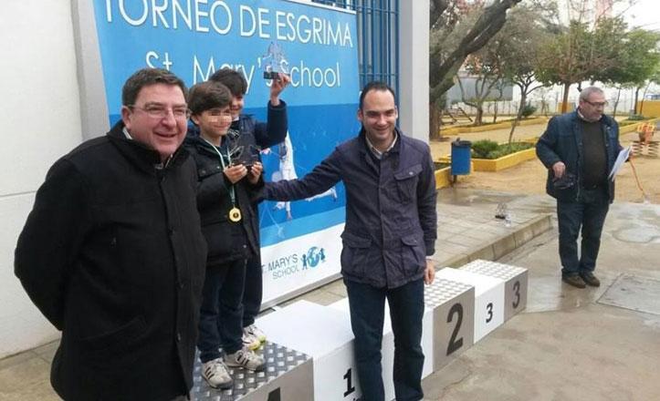 70 niños de Andalucía participan en el Torneo de Esgrima St. Mary´s School