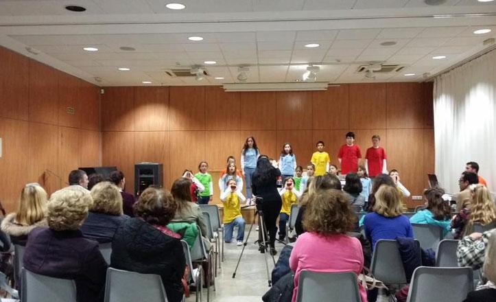La Escolanía de Tomares ofreció un concierto en el Centro Cívico el Tejar del Mellizo