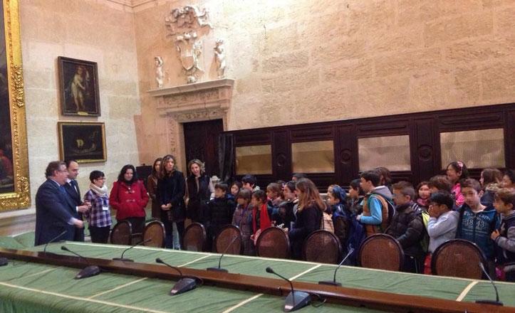 El CEIP Juan Sebastián Elcano visita el Ayuntamiento