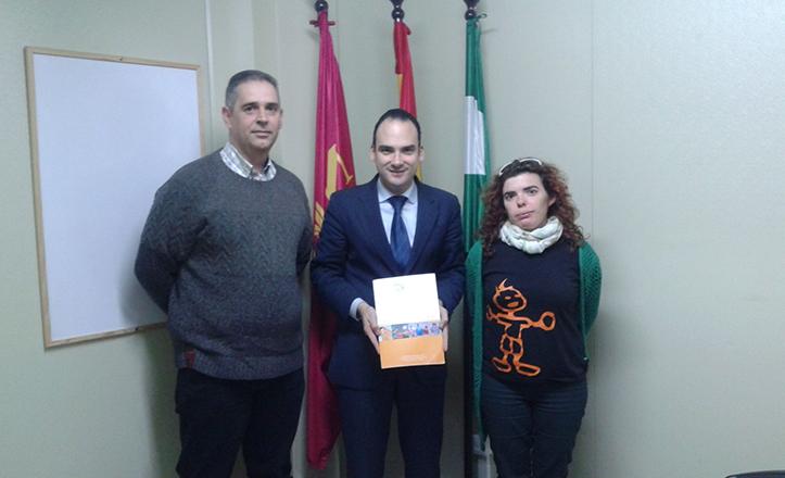 Rafael Belmonte con los portavoces de la Asociación «Tal como eres»