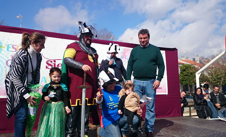 Más de 100 niños disfrazados participaron en el Carnaval del Este