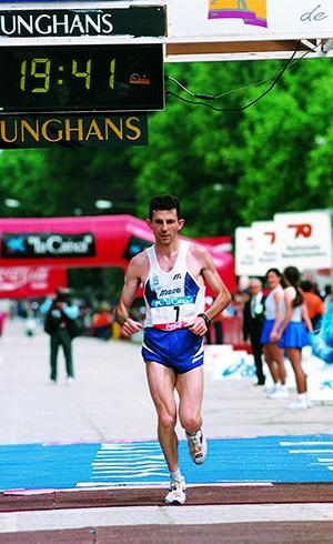 Rodrigo Gavela en plena Maratón, durante los años 90