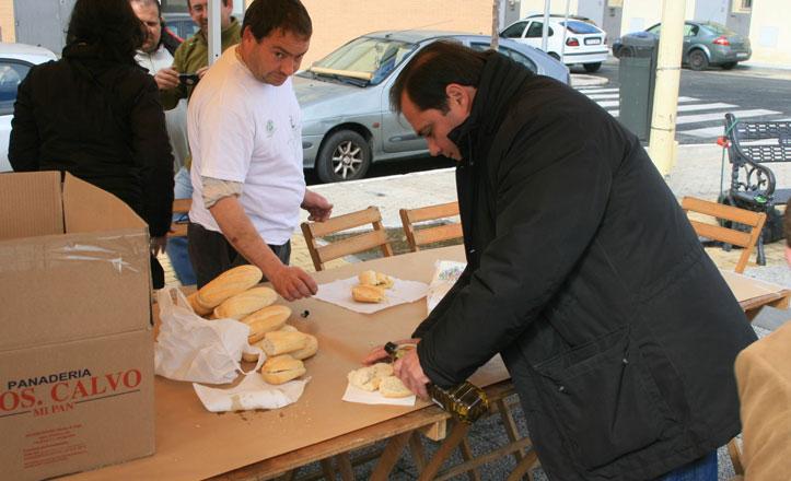 San Pablo-Santa Justa contribuye al desayuno andaluz con los colegios