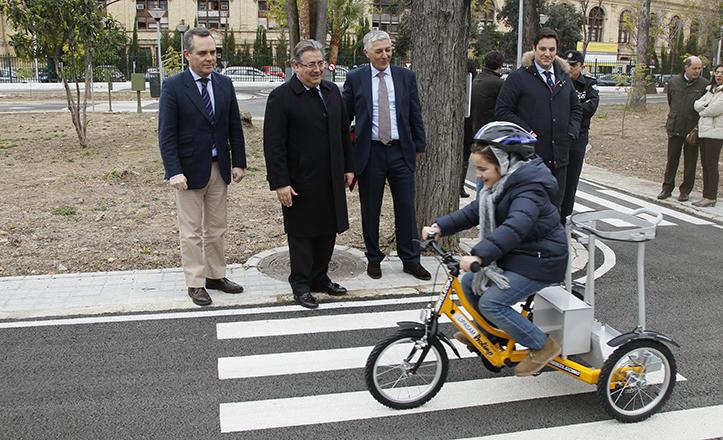 Zoido visita el renovado Parque Infantil de Tráfico de la avenida de la Borbolla / J.M. Serrano