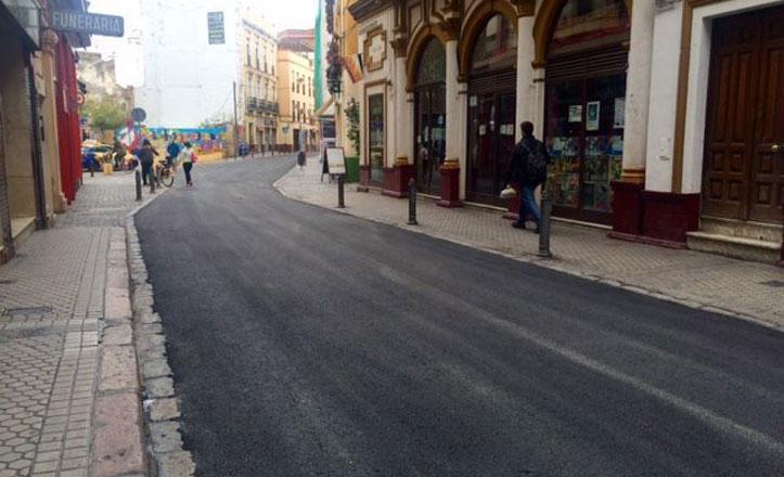 Nuevo asfalto para la calle Amor de Dios
