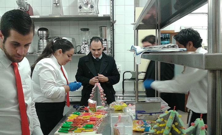 Rafael Belmonte en la Escuela de Hostelería del IES Heliópolis