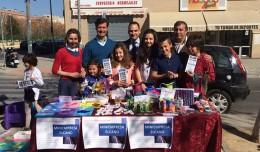Mini empresa del CEIP Elcano en el Mercado de artesanía de Los Bermejales