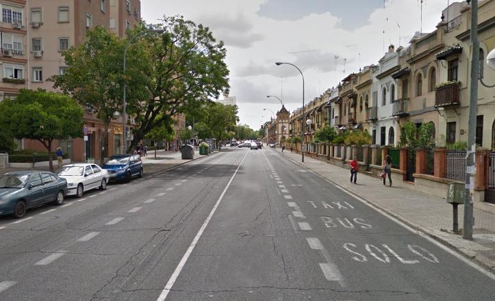 Avenida de Ramón y Cajal antes del reasfaltado de marzo de 2015