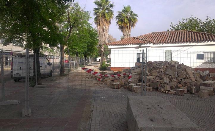 Obras de colocación de un cerramiento de seguridad en el CEIP Paulo Olorosio