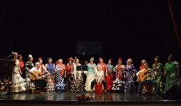 Alegría por sevillanas en el teatro Virgen de los Reyes