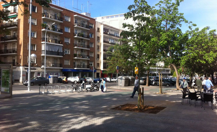 El Distrito Nervión finaliza el enlosado del parterre de Eduardo Dato