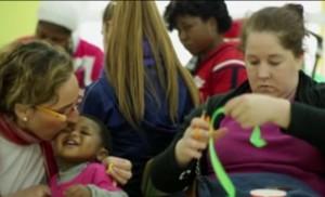 Los niños y los padres aprenden en el CEI La Providencia / «Un barrio...»