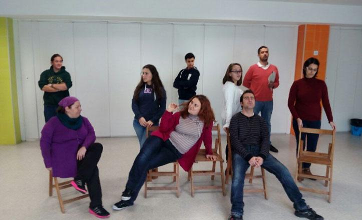 Los alumnos de los Padres Blancos, actores en escena hasta junio