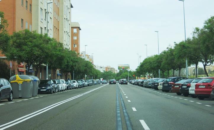 Plazas de aparcamiento en la avenida de Pablo Iglesias