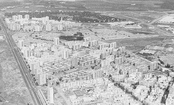 Vista aérea del Barrio A del Polígono de San Pablo / Diccionario histórico de las calles de Sevilla