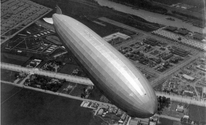El Zeppelin sobre Sevilla