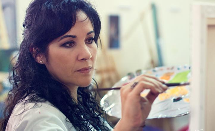 La pintora y cartelista de la Velá de Santa Ana 2015, Isabel Castilla