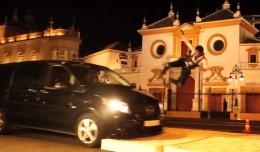 Rodaje de «Akhil» frente a la Plaza de Toros de La Maestranza / Sreshth films