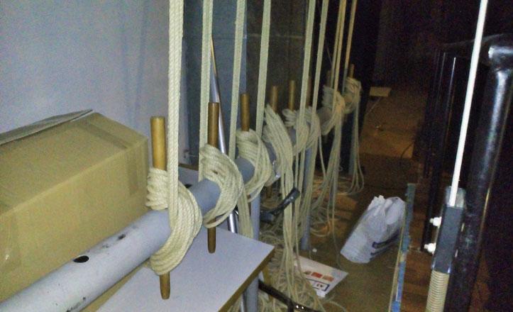 IU denuncia el deterioro del teatro Hogar Virgen de los Reyes