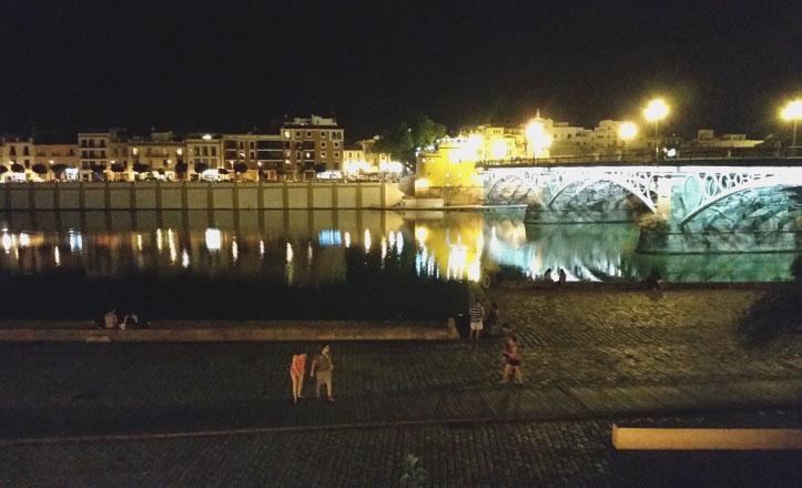 El Muelle de la Sal, un refrescante «balcón» a Triana