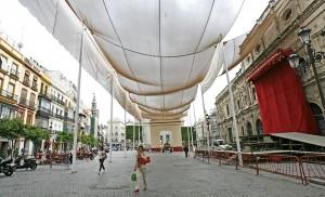 La Plaza de San Francisco, entoldada para el Corpus Christi / Pepe Ortega