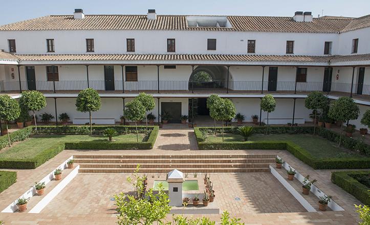 El Patio del Colegio de San Laureano, espacio que una vez fue parte de la huerta de Hernando Colón / Millán Herce