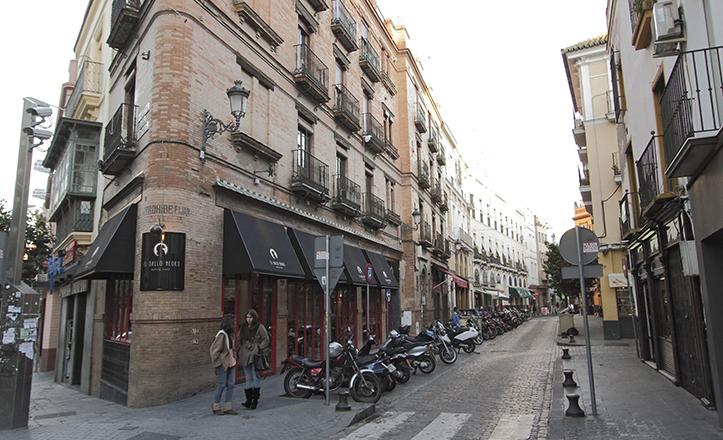 La calle Arfe vista desde la esquina con Gracía de Vinuesa / Juan Flores