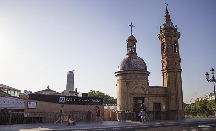 Capilla del Carmen, en el Puente de Triana / Fran Piñero